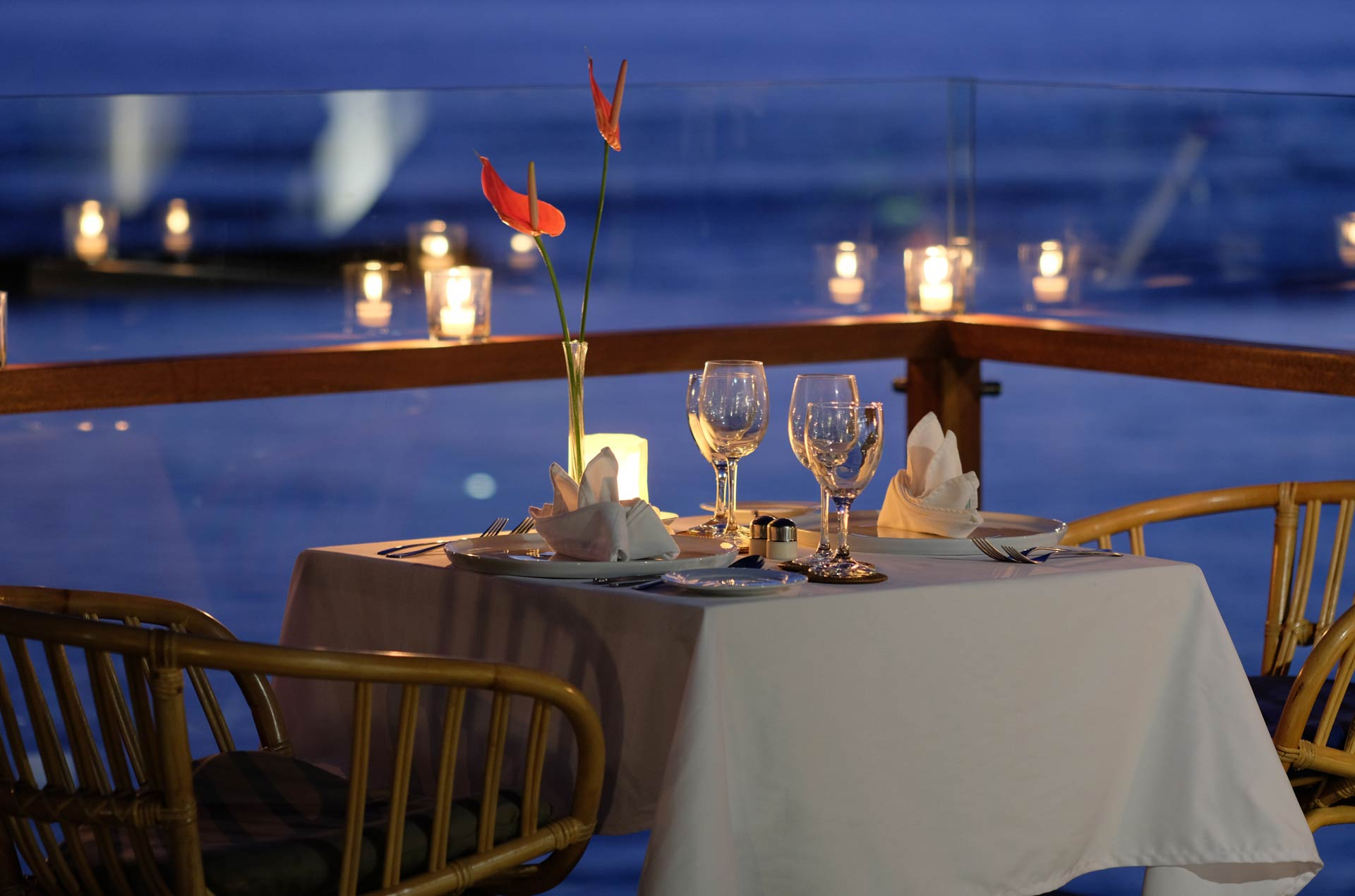 romantic dinner at sagara candidasa hotel