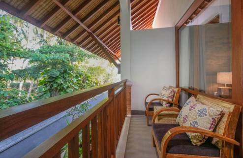 balcony-classic-room-1562227043.jpg